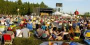 Foto spelende band festival